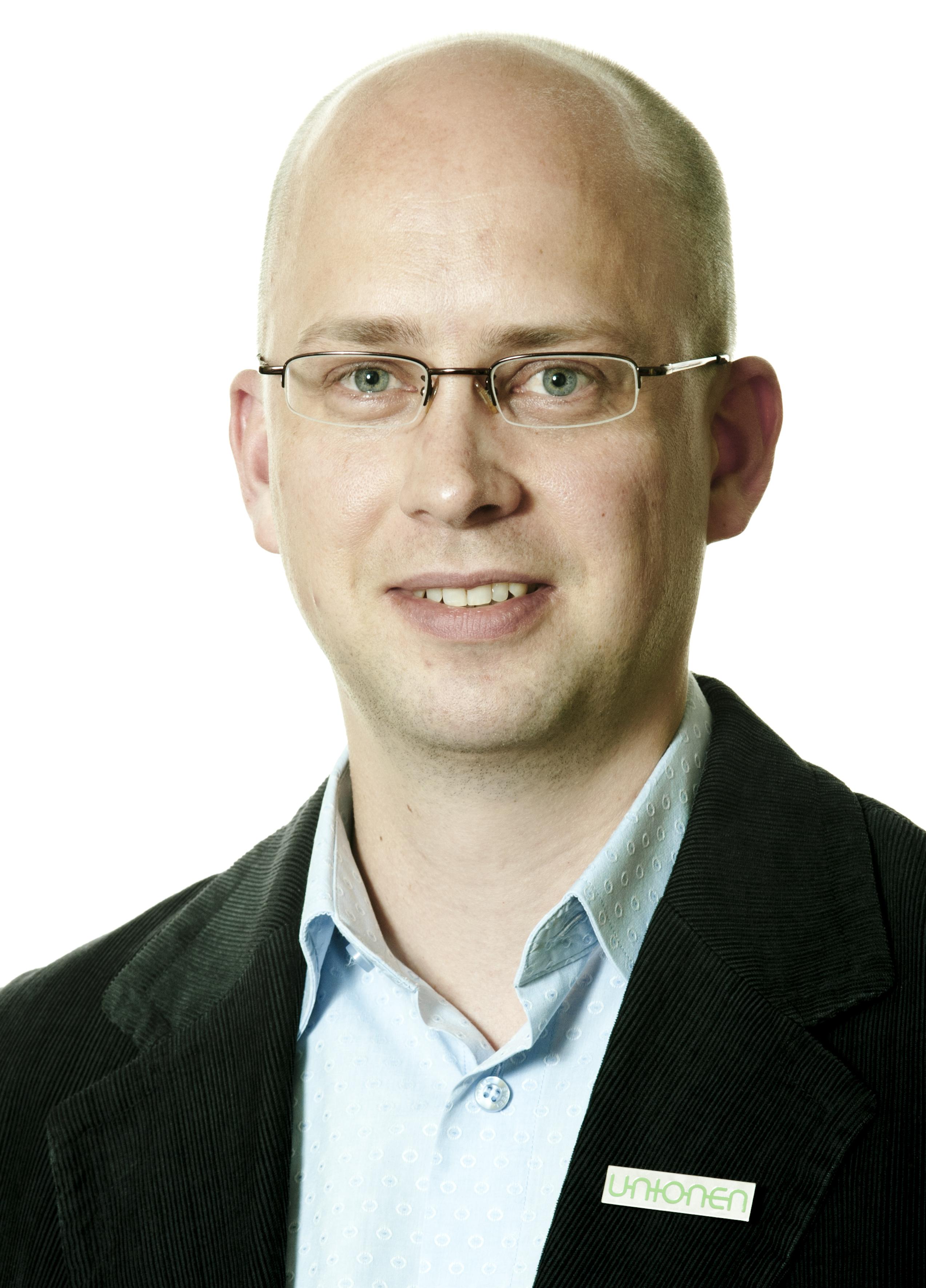 Jesper Lundholm
