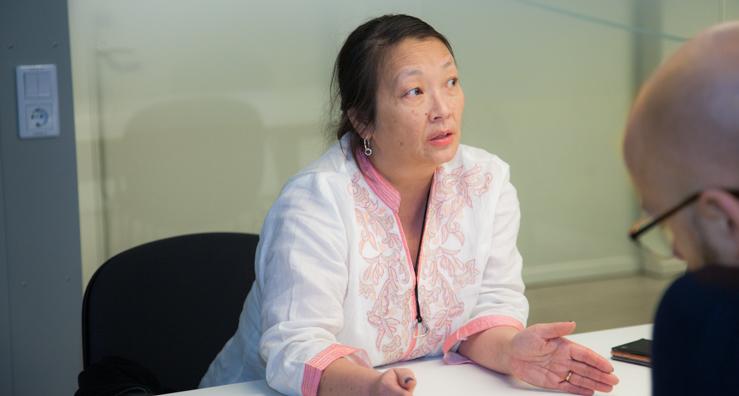 Jin Hee är Travel Consultant och hjälper företagets kunder att hitta och boka rätt affärsresor.